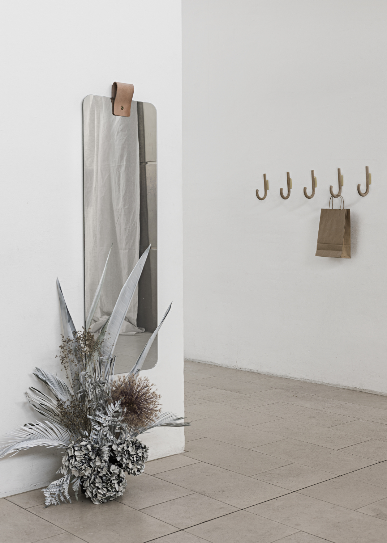 Specchio da parete Ribbon 128 x 40 cm grande | MUNK Collective