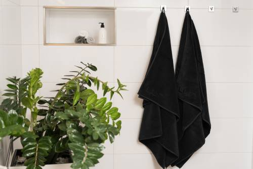b3cd70cab1 Asciugamano da doccia 100 x 150 cm 2 pezzi nero | Luin Living